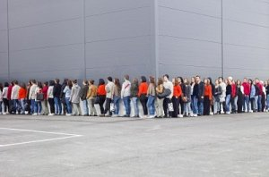 10696350-large-group-of-people-waiting-in-line