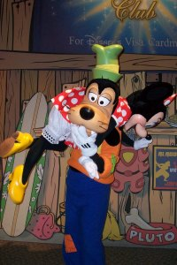 Goofy_and_Minnie_Shoulder_Sling